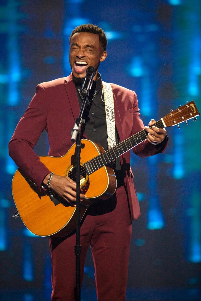 Jonathan Mcreynolds Bet Sunday Best